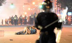 Vancouver-riot-kiss Richard Lam
