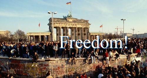 A Berlin Wall falls 1989b